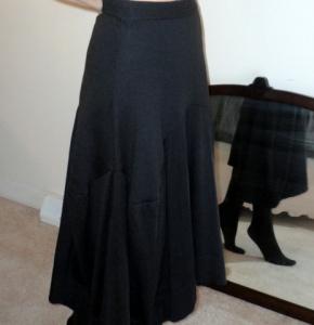 Soft-knit brown skirt