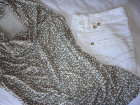 White jeans, Banana Republic stretch top and matching earrings